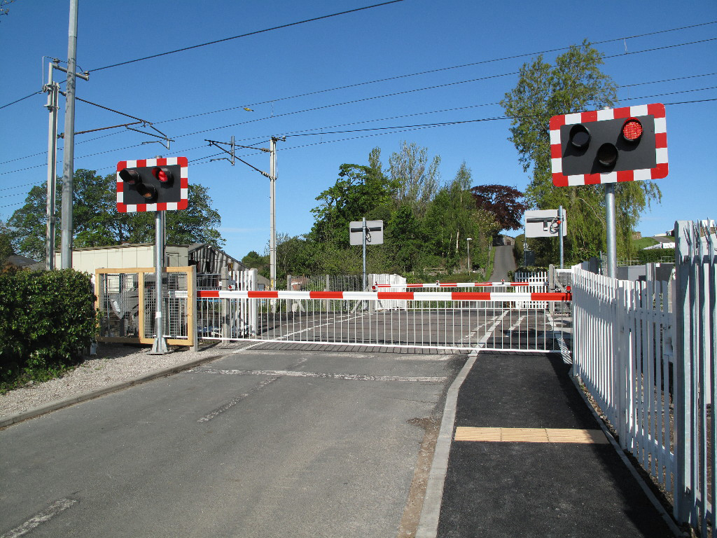 IMAGE(http://www.networkrailconsulting.com/assets/Uploads/Bolton-le-Sands-level-crossing.jpg)